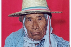 13. Doña Damiana, mujer colla, antepasada de la familia Jerónimo.