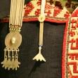 vestimenta_femenina_mapuche_siglos_xviii_y_xix_22